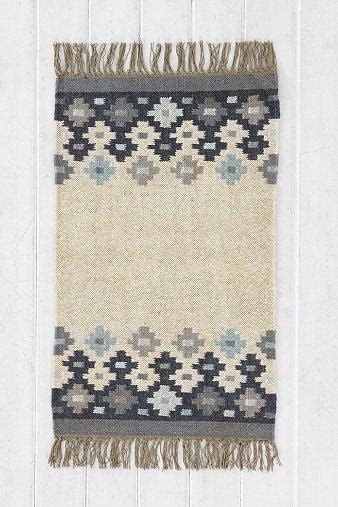 outfitters magical thinking rug magical thinking falling dhurrie rug i outfitters