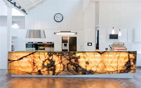 cr馘ence cuisine d馭inition faience marbre salle de bain
