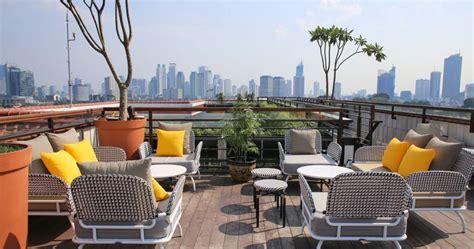 tempat tato di jakarta yang bagus 8 tempat makan di atap gedung atau rooftop di jakarta