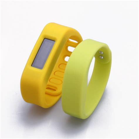 fashion silicone child gps tracker bracelet gps bracelet