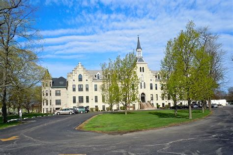 Mba Tuition Cost St Francis by Safest Colleges In Illinois For 2016 Backgroundchecks Org