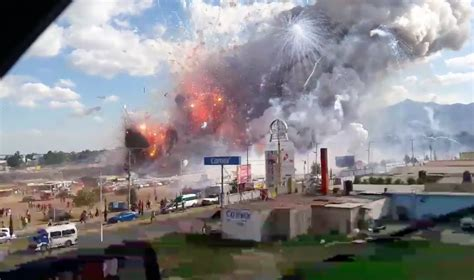 Mexican Search 27 Dead In Mexican Fireworks Disaster Business Insider