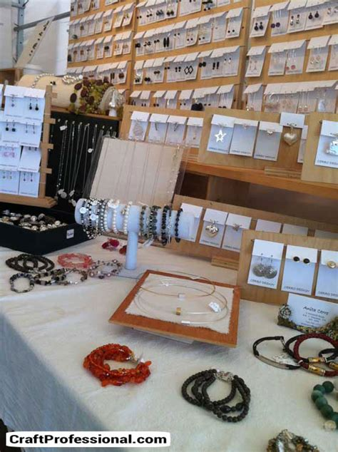 The Handmade Show - lots of jewelry display ideas and photos