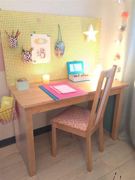 bureau enfant rangement cr 233 er un rangement de bureau pour enfant par aur 233 lie hemar