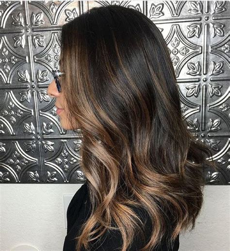 highlights that frame the face short hair face framing highlights for the most flattering looks