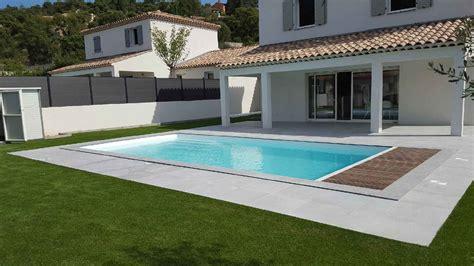 Modele De Piscine piscine coque polyester modele feroe avec couverture