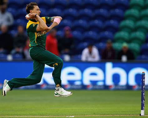 how to swing the ball like dale steyn rob steen explains the differences and similarities