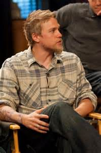 jax teller hairstyle charlie hunnam beard pinterest man crush search and
