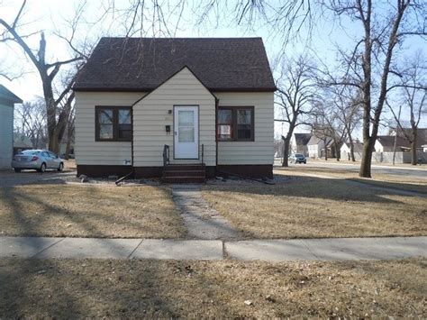 201 1st ave e west fargo dakota 58078 reo home