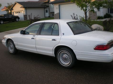 service manual i have a 1995 mercury sittinprettyinga 1995 mercury grand marquis specs