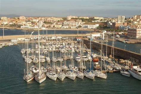 abitanti porto torres porto torres e le sue splendide spiagge bianche hotelfree it