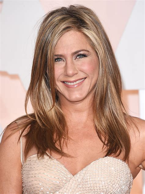 jennifer aniston signs emirates endorsement deal people com