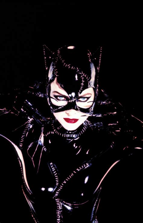 catwoman iphone wallpaper celebrities movies and games michelle pfeiffer as