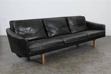 mid century modern black leather sofa at 1stdibs