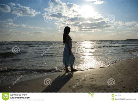 Imagenes Mujeres En El Mar   mujer en el mar fotograf 237 a de archivo imagen 6351302