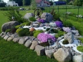 Rocks For Rock Garden 25 Best Ideas About Landscaping Rocks On