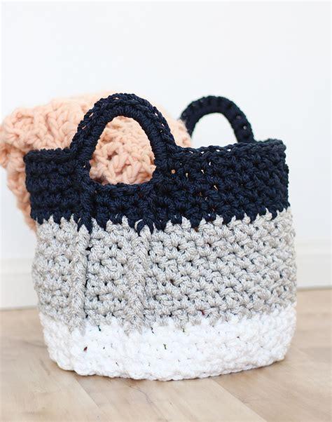 crochet basket large crochet basket with handles free crochet pattern