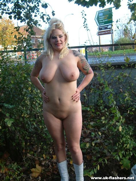 Big Tits Flashing And Tattooed Amateur Babes Public Nudity Of Blonde E Pichunter