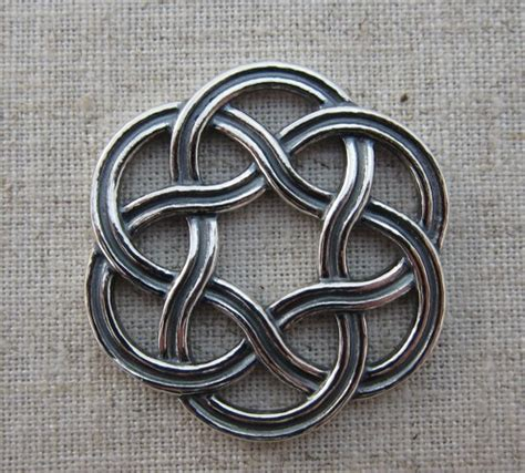 how to do an infinity knot celtic infinity knot www imgkid the image kid has it