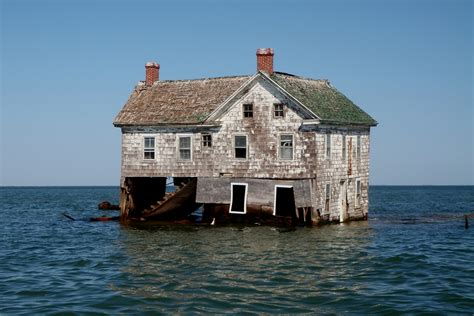 house on an island the history and fate of holland island