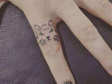 tattoo finger schmerzen 30 katzen tattoo ideen mit bedeutungen