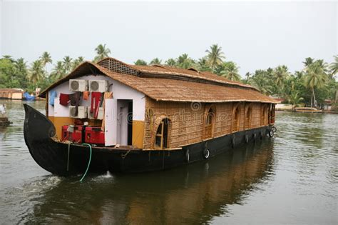 boat house kerala prices house boat kerala stock photos image 9756203