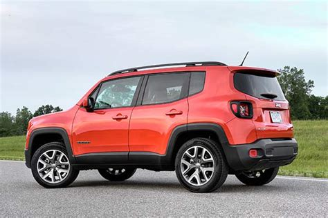 2019 jeep renegade review 2019 jeep renegade new car review autotrader