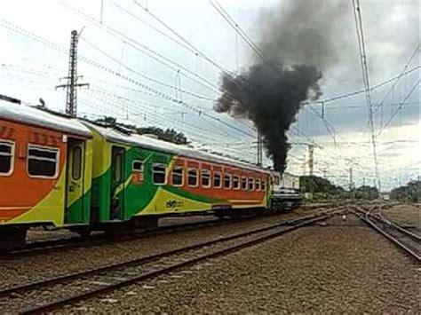 Kereta Api Asap 1 lokomotif kereta api brantas asap ngebul terus