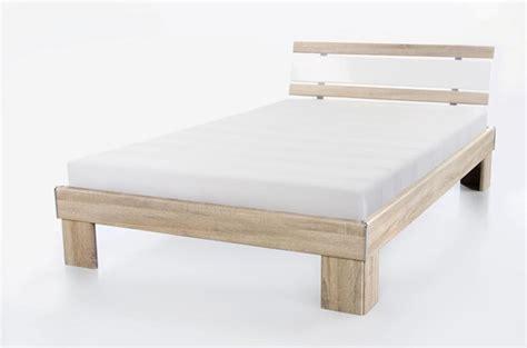 futonbett 140x200 inkl rollrost und matratze 140x200 futonbett rhone inkl rollrost u matratze weiss beton