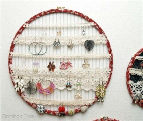 porta gioie fai da te telai da ricamo per sistemare gioielli diy