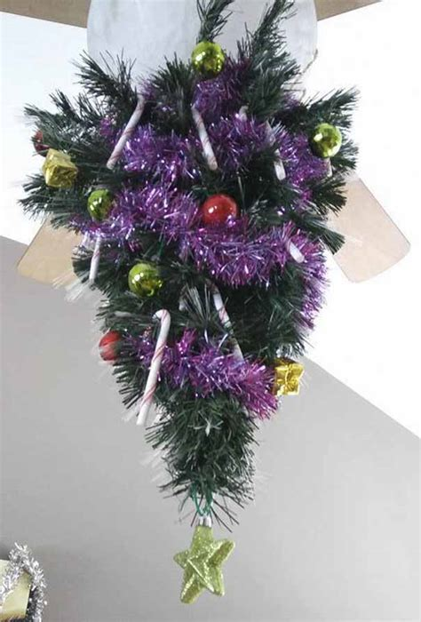protect christmas tree from cat 16 genius ways to protect your trees from cats we cats and kittens