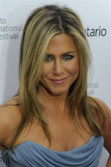 photo 33 52 jennifer aniston hair