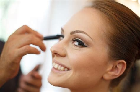 7 Makeup Tips For Your Wedding Day by 7 Wedding Makeup Tips For A Flawless Look Canvas Factory