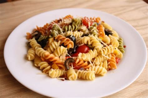 cold pasta dish easy cold pasta salad olivia recipes recipes pinterest
