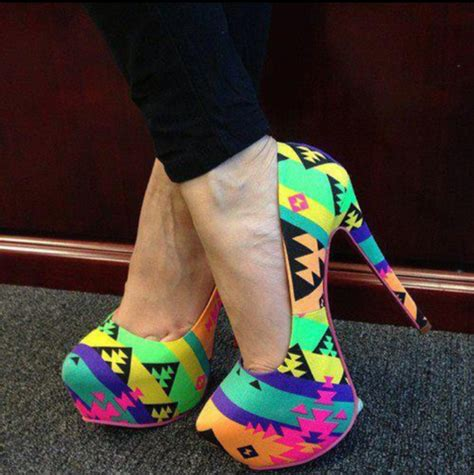 aztec pattern heels amazon com privileged cray retro neon pattern print