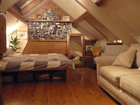 Chair Into Bed 32 Attic Bedroom Design Ideas