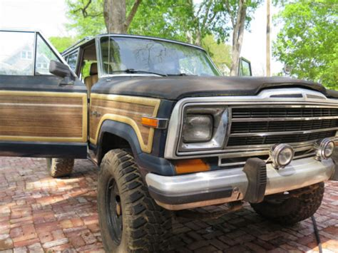 jeep wagoneer lifted 1987 jeep grand wagoneer lifted trusty slightly