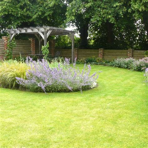 modern cottage garden before modern cottage garden using traditional materials
