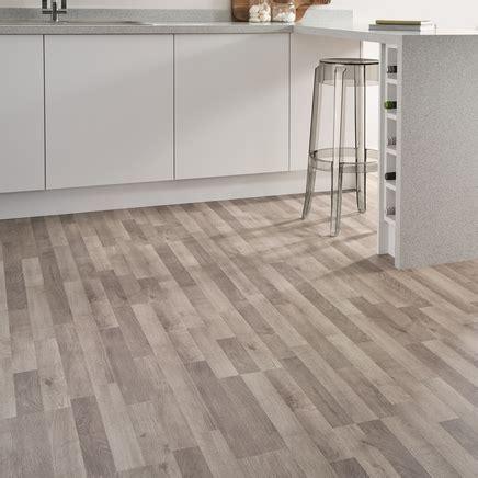 Grey Oak Laminate Flooring Strip   Howdens Joinery