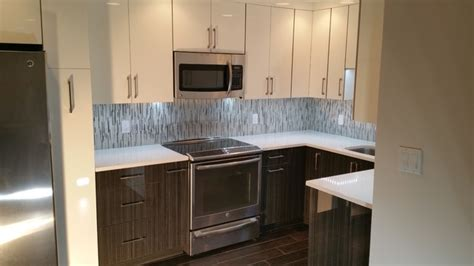 two tone high gloss kitchen in downtown st pete