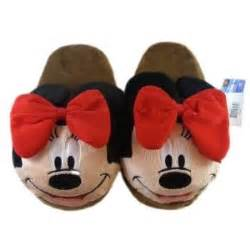 minnie mouse bedroom slippers 10 best images about bedroom slipper fun on pinterest sheep dogs golf style and