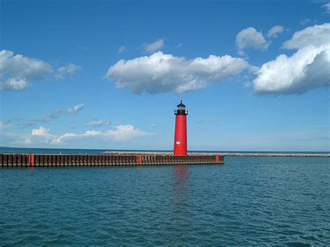 wi lights kenosha pier light