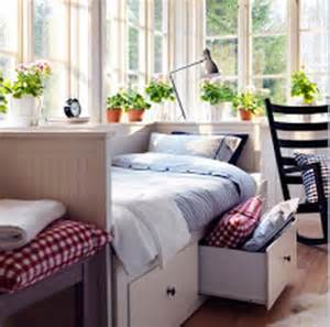 decorating bedroom ideas on a budget decorating a bedroom on a small budget home improvement