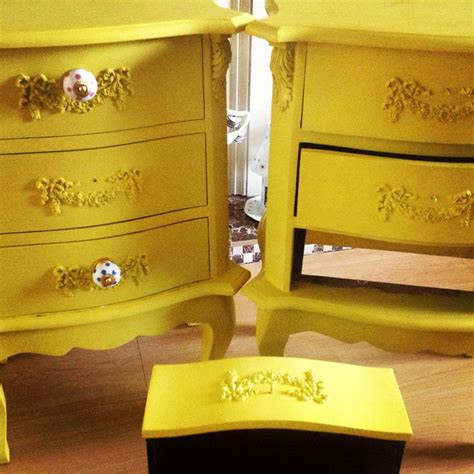 applying autentico chalk paint 17 best images about autentico painted furniture on