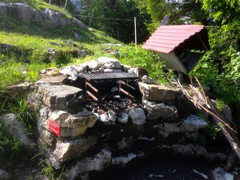 schweizer familie feuerstelle rundwanderweg brunni holzegg rotenflue zw 228 cken brunni