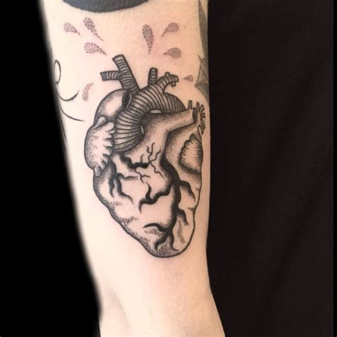 31 black heart tattoo tattoo designs design trends