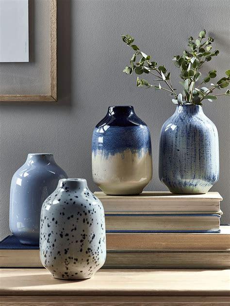 blue and white ceramic l pin tillagd av cara hardy p 229 ceramics pinterest b 228 sta