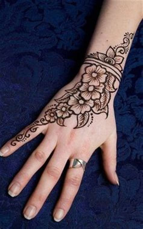henna tattoos vegas strip budding arabic pansy henna flickr photo