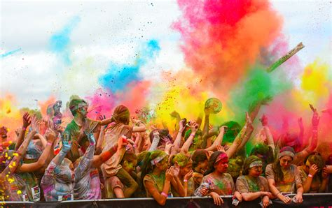 what to do when colors run in the wash file the color run grand prix edition melbourne 2014