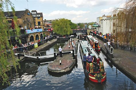 PHOTO: Canal boats go through locks in Camden, London